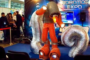 Exhibitions of industrial and service robots in 2014 — in Russia and around the globe